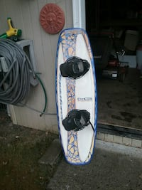white and blue waveboard Scappoose, 97056
