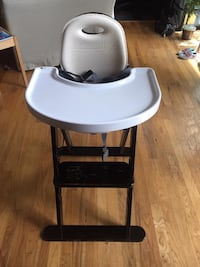 white and black highchair with tray Fairfax Station, 22039