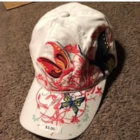 white and red floral print cap Salinas, 93901
