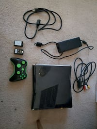 XBOX 360  STILL IN WORKING CONDITION NO PROBLEMS