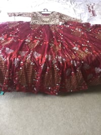 Very huge lehnga has a beautiful embroidery on it small size brand new Calgary, T3K 0V2