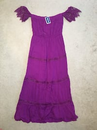 *NEW WITH TAGS* off the shoulder dresses- sz LG East Ridge, 37412