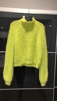 Kendal & kylie sweater larg