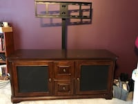 Wood entertainment center with tv mount  Nampa, 83651