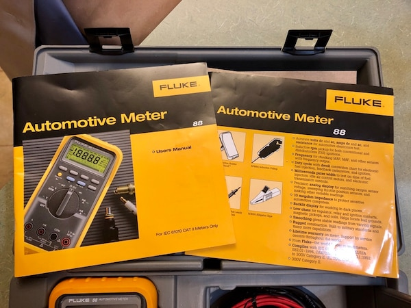 Fluke 88 Automotive Digital Multimeter Kit Excellent Condition