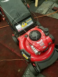 Troy-Bilt lawn mower lightly used the bag has never seen grass