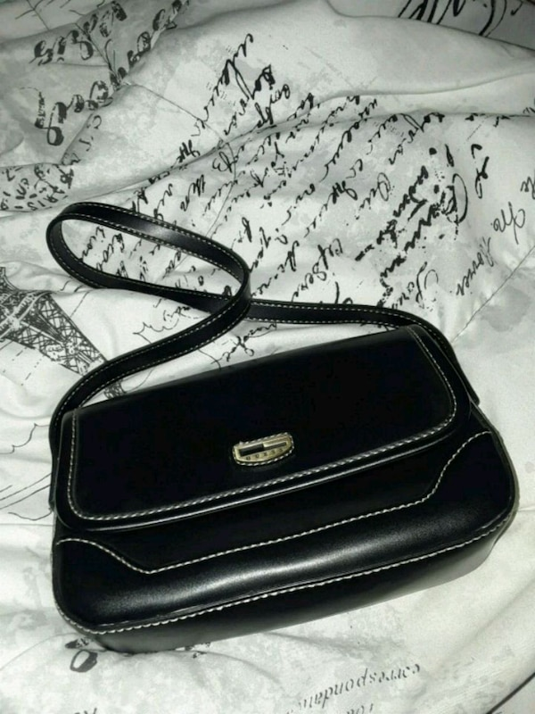 a23972ba56 Used Black Vintage Guess Small Purse for sale in Delray Beach - letgo