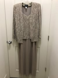 Mother of the Groom full length dress with jacket by Alex. Size 18W Sterling, 20164