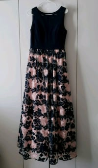 Navy & Pink Gown. SZ 8 Stafford, 22554
