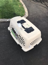 Plastic Kennel