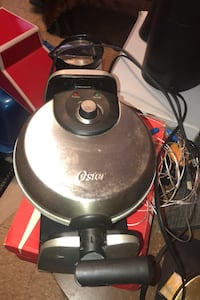 Turntable waffle maker (oyster)