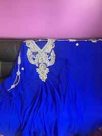 blue Arabic dress ( new condition)  Longueuil, J4M 1X7