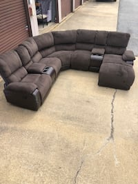 5 pc brown sectional  Waldorf, 20602