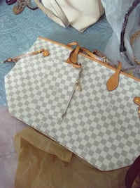 Great mothers day gift.new lv. Lakeland, 33803
