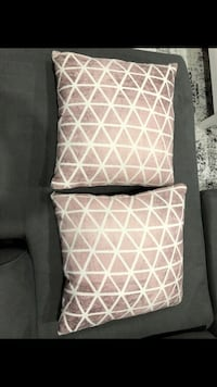 Two rose gold decorative pillows Vancouver, 98665