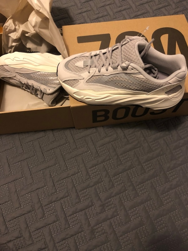 070159bdecdc3 Used Yeezy 700 static for sale in New York - letgo