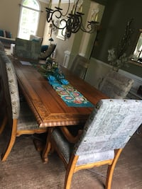 Elegant wood carved dining room w\buffet 2arm chairs 6 armless chairs Woodbridge, 22192