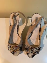 Size 10 suede and snake skin sling backs Mississauga, L5M 1C8