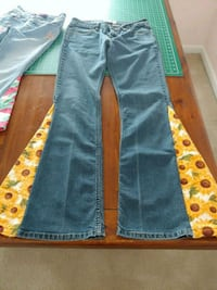 Hippy Flare Jeans size Juniors 7 Long Bunker Hill, 25413