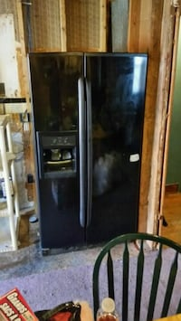 black side by side refrigerator with dispenser Edgemere, 21219