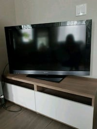"40"" Sony Bravia TV and TV stand Surrey, V3S 0C6"