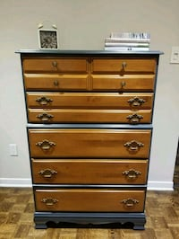 Solid wood dresser Mont-Royal, H4P