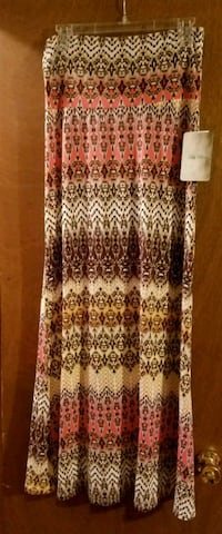 Maxi skirt Lily Rose large NWT  El Paso, 79936