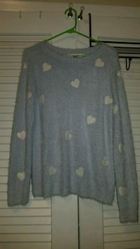 Soft Sweater size small Myrtle Beach, 29577