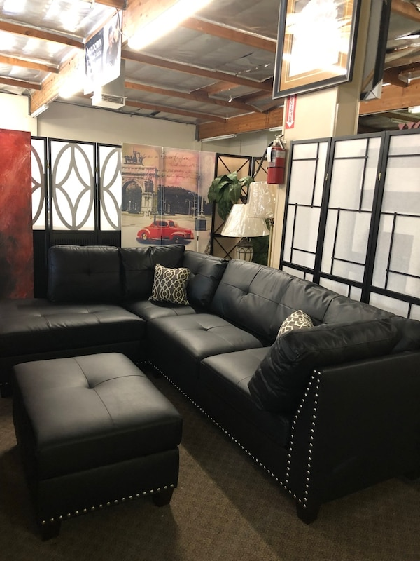 Amazing Black Leather Sectional Sofa With Throw Pillows And Ottoman Brand New 599 Finance Available Evergreenethics Interior Chair Design Evergreenethicsorg