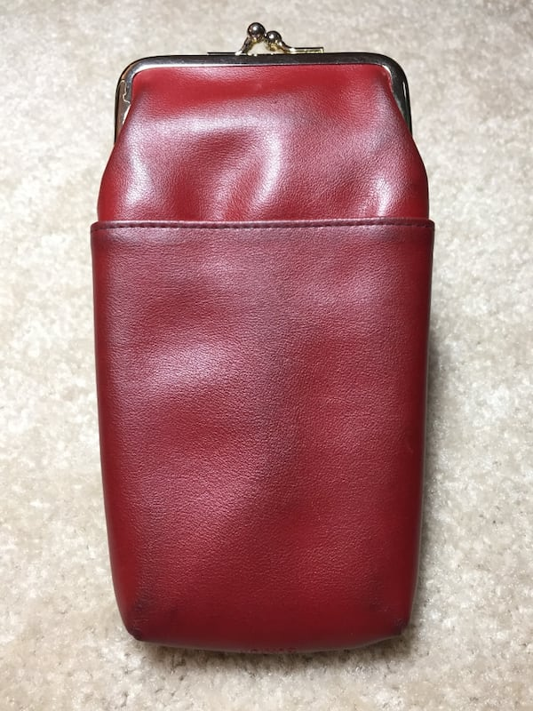 Red leather coin purse 0