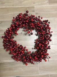 Red cranberry wreath - very festive for Christmas!!! Toronto, M6N 5H8