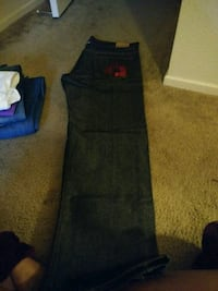 black and red Nike pants 2245 mi