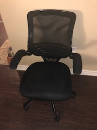 Black rolling office chair-Negotiable Fort Worth, 76244