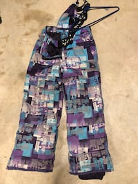 Youths snow pants size 10 London