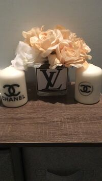 Vase and candle Vaughan, L6A 3A2