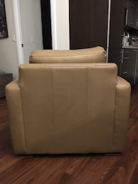 Genuine Leather Accent Chair 548 km