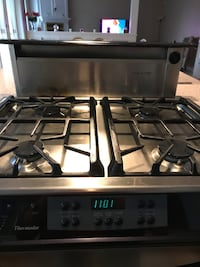 Beautiful stainless steel gas stove