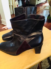 Pair of brown leather boots. Size 7 1/2 Goose Creek, 29445