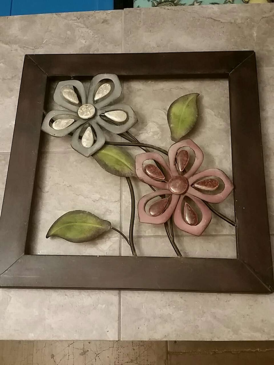 Letgo metal flower home decor in foley al for Al ahram aluminium decoration