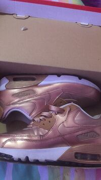 Pair of bronze nike air max shoes with box , 11221