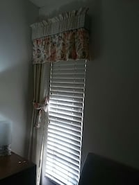 2 curtains 2 valanes with tie backs  Fort Myers, 33908