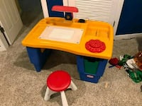 Kids desk Fairfax, 22030
