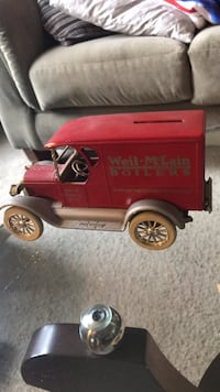 collectible Truck 1923   chevy bank