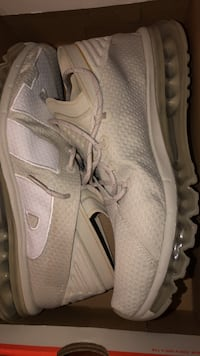 Nike shoes Come to me $35  Springfield, 22151