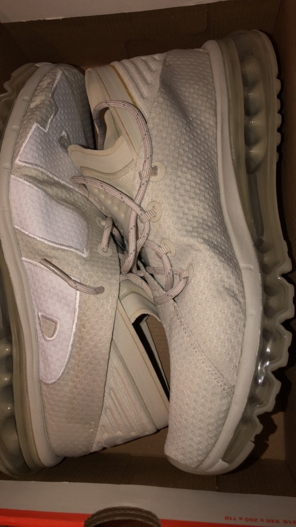 Nike shoes Come to me $35
