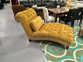 Grand Ore' Chenille Golden Sand Diamond Tufted Chaise
