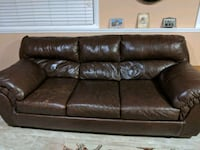 Leather sofas and chair Des Plaines, 60018