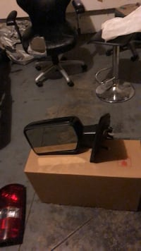 Right and left mirrors with built in turn signals in mint shape off 07 f150 pitch up Hamilton, L8H 4K8