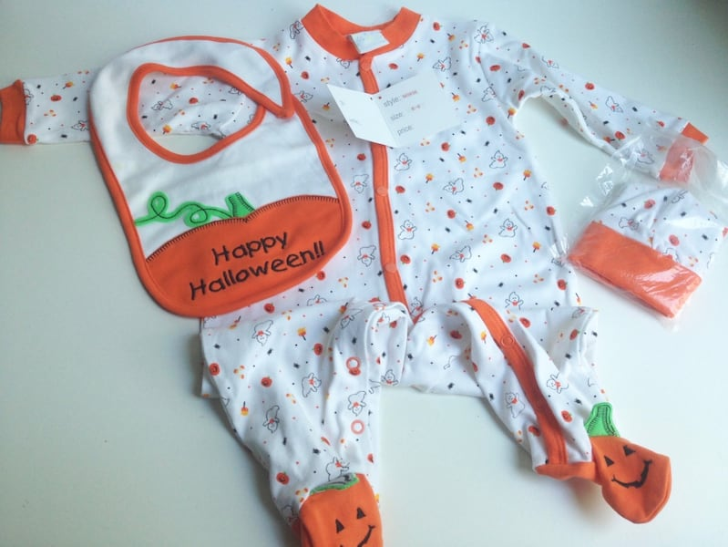 NEW WITH TAGS! HALLOWEEN 3-pc Baby Sleeper Pyjama Outfit - 6-9Months 292fb551-fc0d-4710-8fd8-9f264a677eca