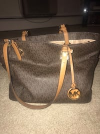 Michael Kors Handbag Glastonbury, 06033